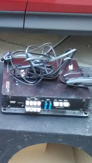 Four channel amp with knob for Sale in Sacramento, CA