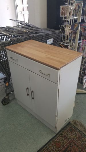 Microwave Table for Sale in Rialto, CA