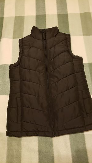 EUC puffer black vest xs, run big for Sale in Chicago, IL