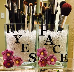 Makeup Brush Holders BEADS NOT INCLUDED! for Sale in Carrollton, TX