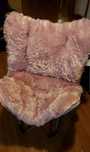 Pink Furry Folding Chair for Sale in Chico, CA