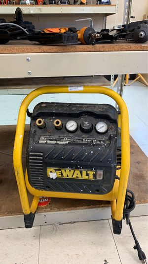 DEWALT Air compressor for Sale in Pasadena, TX