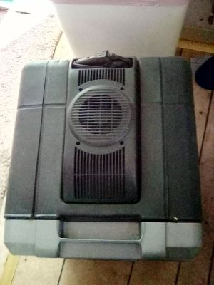 Coleman 12 volt cooler for Sale in Sacramento, CA
