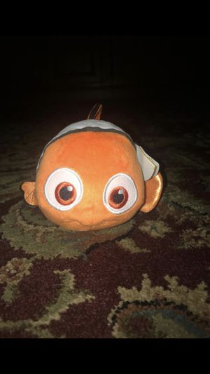 One baby Nemo plushie, the tails are sparkle for Sale in Stroudsburg, PA