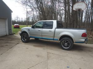 02 Ford F150 four door in great condition. for Sale in Mount Pleasant, MI