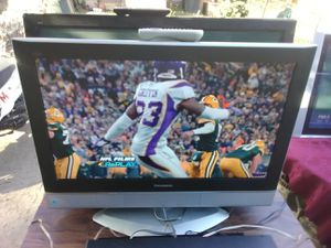Panasonic 32 inch TV with remote control and HDMI port for $75 for Sale in Washington, DC