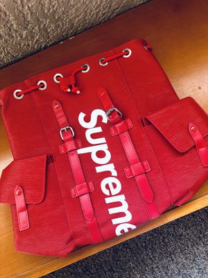 BRAND NEW !!! red supreme backpack !!! for Sale in Glendale, AZ