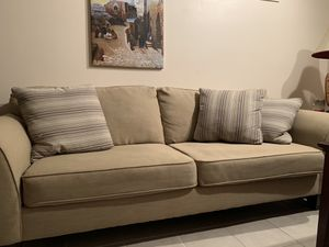 4 seater couch for Sale in Potomac Falls, VA