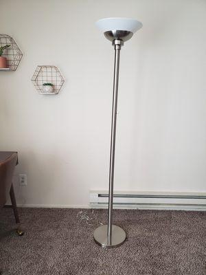 Floor lamp. for Sale in Burien, WA