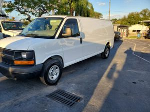 2015 Chevy EXPRESS 2500 EXTENDED for Sale in Hollywood, FL