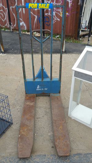 Blue Giant manual fork lift with wall for Sale in Philadelphia, PA