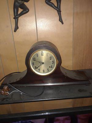 Antique clock for Sale in Chicago, IL