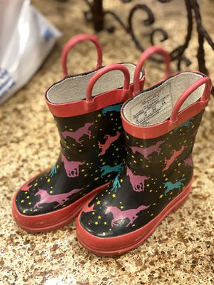 Baby girl rain boots size 5 for Sale in Irvine, CA