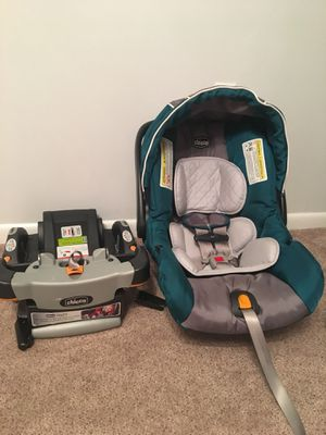 Chicco KeyFit 30 Car Seat and Base for Sale in Baldwinsville, NY