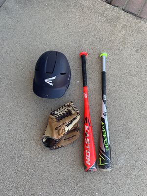 Baseball glove and bats for Sale in Rancho Cucamonga, CA