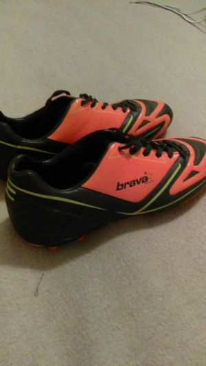 Men's size 10.5 Brava outdoor soccer cleats for Sale in San Angelo, TX