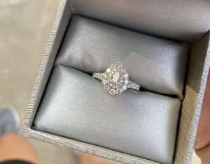 New Engagement Ring for Sale in Chicago, IL
