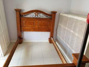 Queen Size Bed Frame / Tempur Pedic Box Spring / Tempur Pedic Matress for Sale in Hialeah, FL