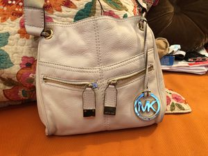 Nice summer Michael Kors cross body, Made a very soft pebble leather. for Sale in Watertown, MA