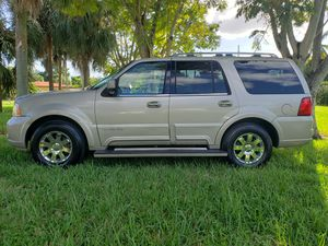2005 LINCOLN NAVIGATOR LIMITED EDITION for Sale in Miami, FL