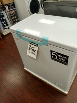 Chest freezer for Sale in Lynwood, CA