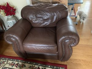 Leather Sofa in great condition for Sale in Alexandria, VA