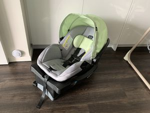 Evenflo car seat + base (expires 2024-12) for Sale in Bellevue, WA