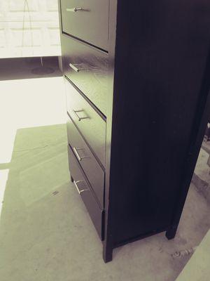 Dresser for Sale in San Bernardino, CA