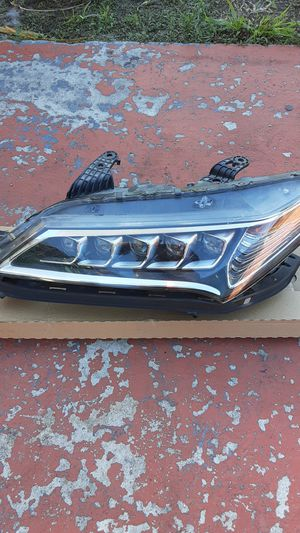 Acura tlx headlight for Sale in Pompano Beach, FL