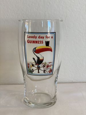 Rare ~ Guinness Museum Dublin ~ Toucan Tulip Pint Glass A ~ Lovely Day For a Guinness for Sale in Phoenix, AZ