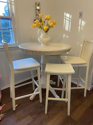 Table and 4 stool chairs for Sale in Centreville, VA