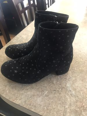 Size 1 girls boots from kohl's for Sale in Fayetteville, NC
