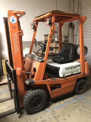 Pre-owned Toyota Forklift model4FGL15 capacity 3000 lbs. working condition. New battery for Sale in Walnut, CA