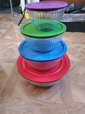 4 glass bowl containers for Sale in Stockton, CA