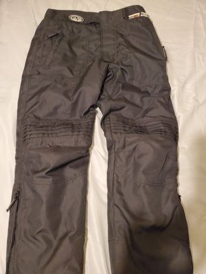 BRAND NEW FIELDSHEER Brand HEAVY DUTY SUPER WARM WATERPROOF PADDED PROTECTIVE RIDING PANTS for Sale in Bensalem, PA