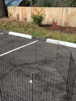 Dog Pen Enclosure Measures Approximately 5 To 6 Feet Across for Sale in Portland,  OR