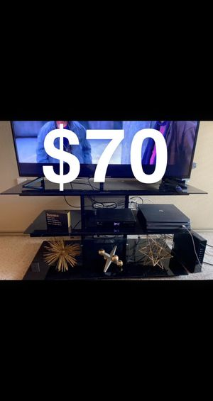60 inch TV stand for Sale in Grand Prairie, TX