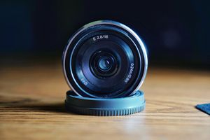 Sony 16mm f2.8 e-mount sel16f28 lens for Sale in Anaheim, CA