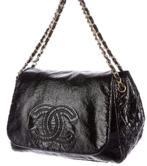 Chanel hand bag 100./. Authentic for Sale in Fresno, CA