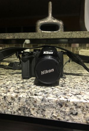 Nikon coolpix p500,12.1 megapixel,full hd,36x zoom,like new barely used$200.00 for Sale in Dania Beach, FL
