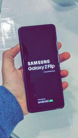 Samsung Galaxy Z FLIP 256GB Factory Unlocked - Like New! (30 Days Warranty) for Sale in Arlington,  TX