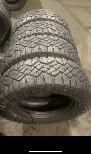 265/70/17 Good year with 95% Tread for Sale in Arlington, TX