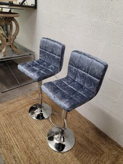 Set of two high adjustable chairs for Sale in Las Vegas,  NV
