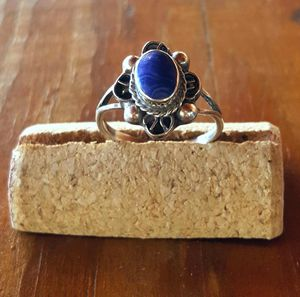 *Estate Find* Sterling silver and lapis ring - size 7.5 for Sale in Huntington, TX
