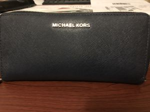 Michael Kors continental wallet for Sale in Whittier, CA
