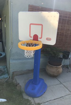 Basketball hoop for Sale in Perris, CA