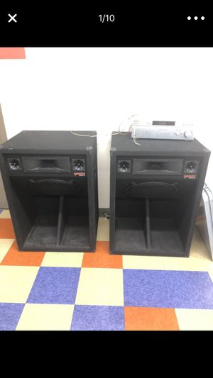 Dj sounds and lighting equipment/fog machine for Sale in Cleveland, OH