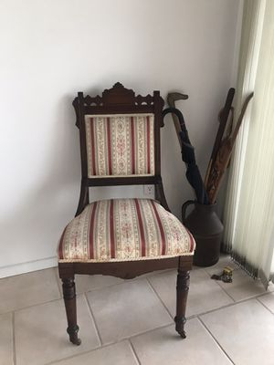 Cute antique chair for Sale in Upland, CA