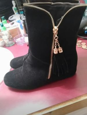 Size 8 black and gold winter boots for Sale in Troy, MO