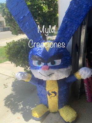 Super bunny pets movie pinata for Sale in Perris, CA